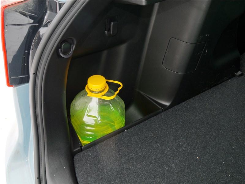 Suzuki Vitara 2019 багажное отделение