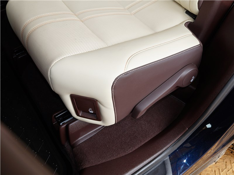 Lexus RX 350L 2018 задний диван