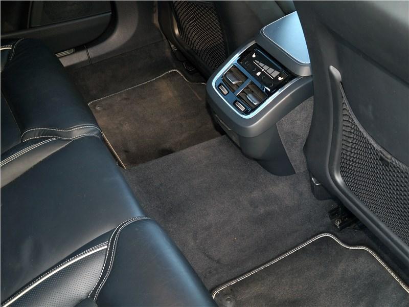 Volvo S90 2019 второй ряд