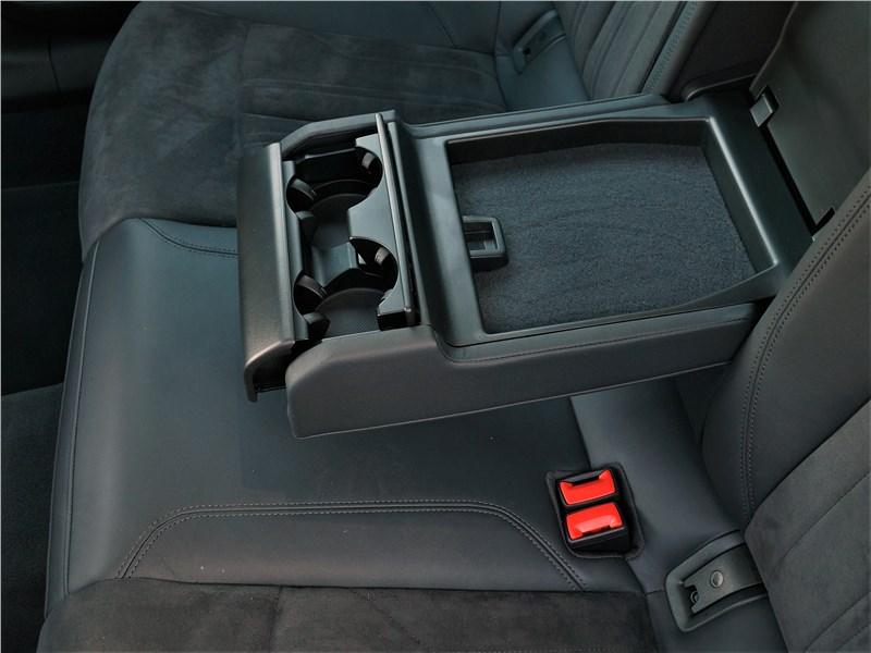 Audi A6 allroad quattro (2020) задний диван