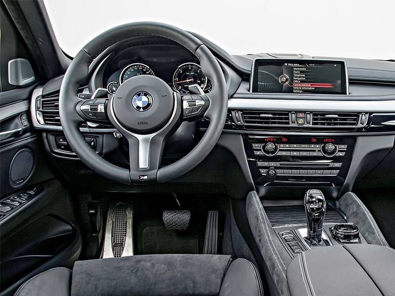 BMW X6 2015 водительское место