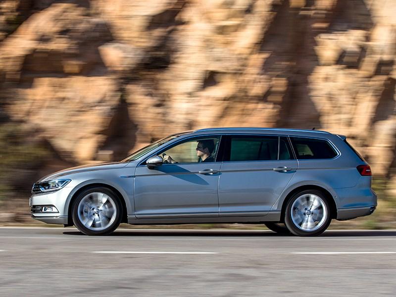 Volkswagen Passat 2015 универсал вид сбоку