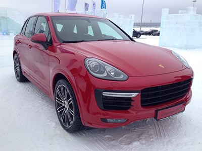 Обновленный Porsche Cayenne GTS показали в Москве