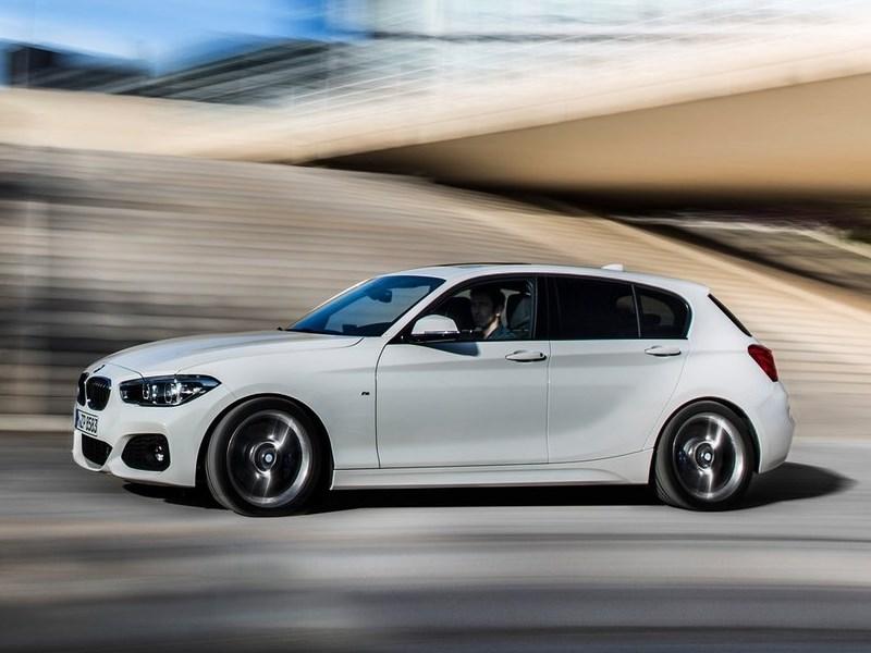 BMW 1-Series 5-doors 2016 вид сбоку