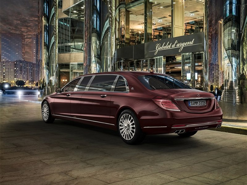 Mercedes-Benz S600 Pullman Maybach 2016 вид сзади