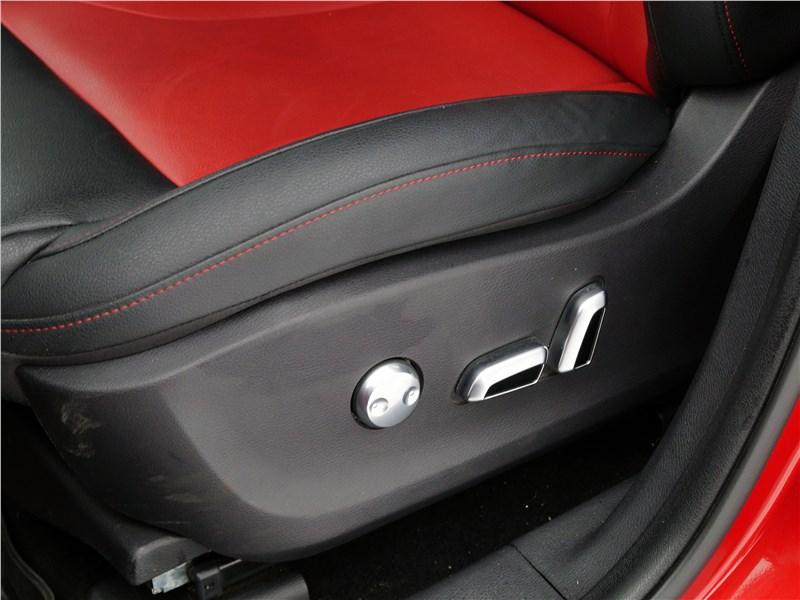 Haval H2 2014 кресло водителя