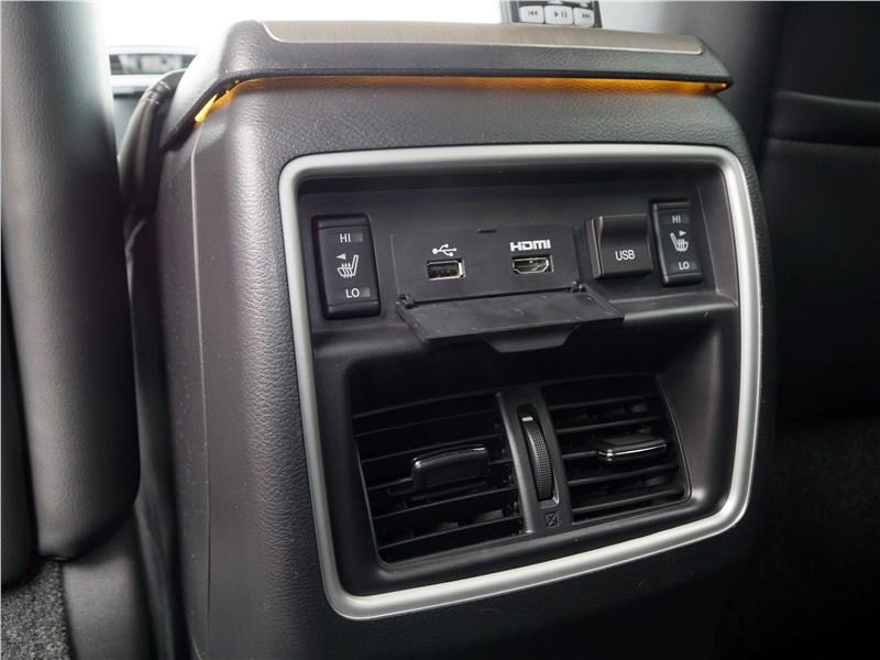 Nissan Murano 2016 управление климатом для второго ряда