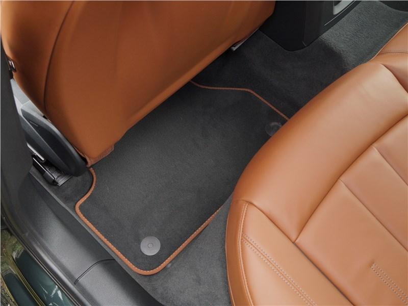 Audi A4 allroad quattro 2016 второй ряд