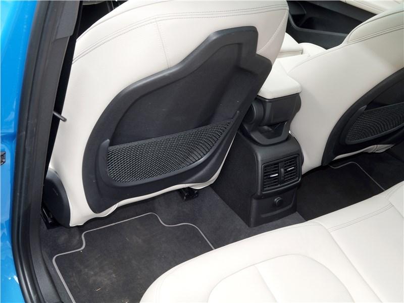 BMW X2 2019 второй ряд