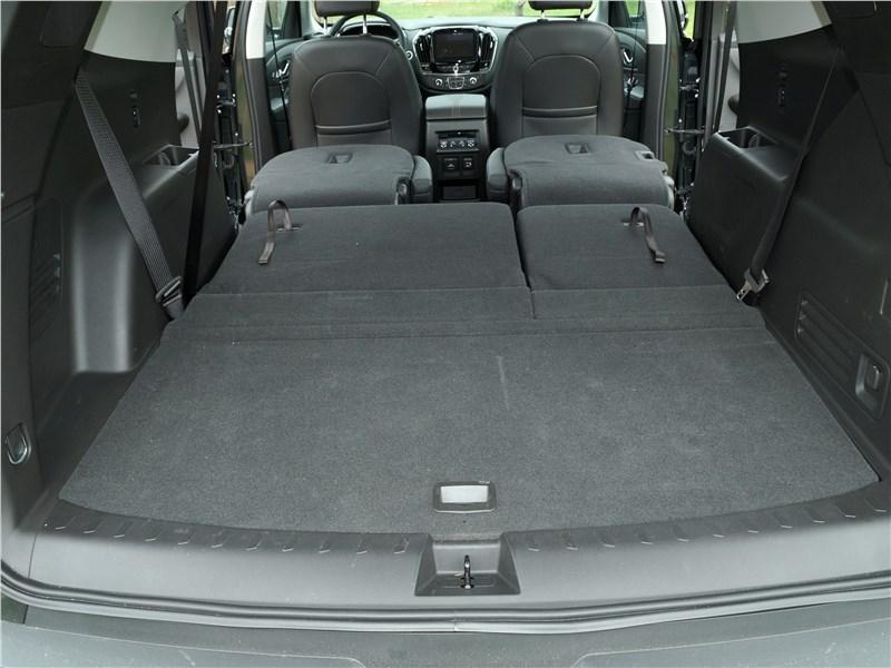 Chevrolet Traverse 2018 багажное отделение