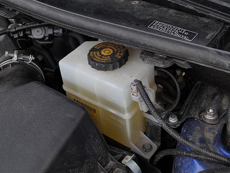 Lexus NX 2014 тормозная жидкость