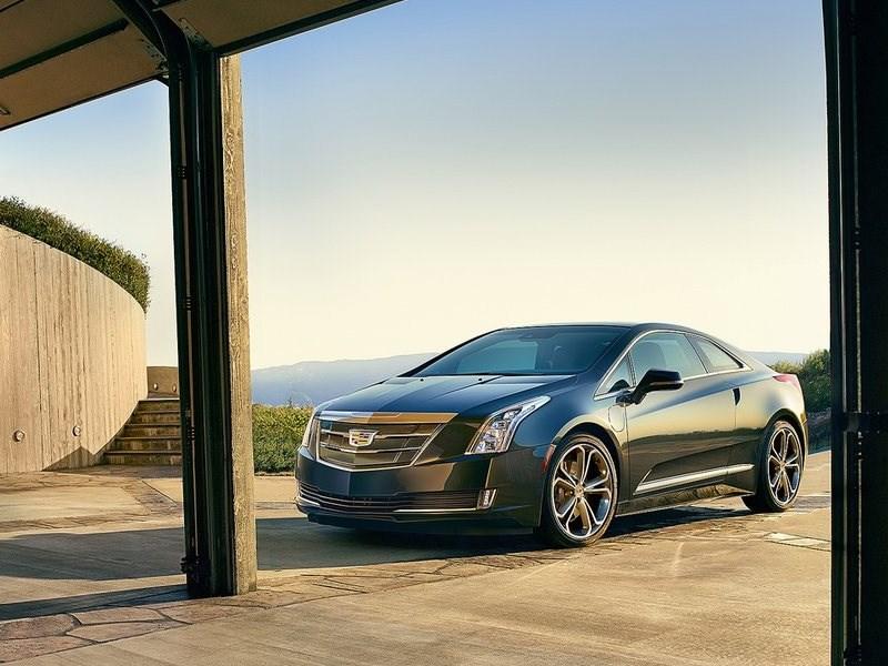 Cadillac ELR 2016 вид спереди сбоку