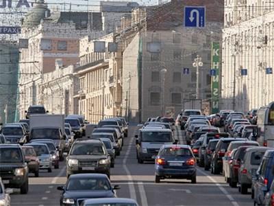 Самыми популярными автомобилями в Москве остаются иномарки российской сборки
