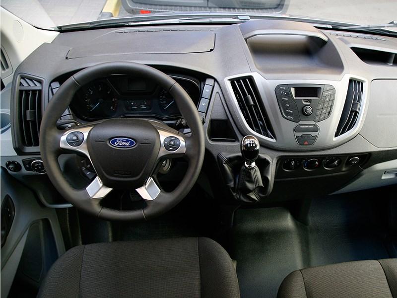 Ford Transit 2015 водительское место