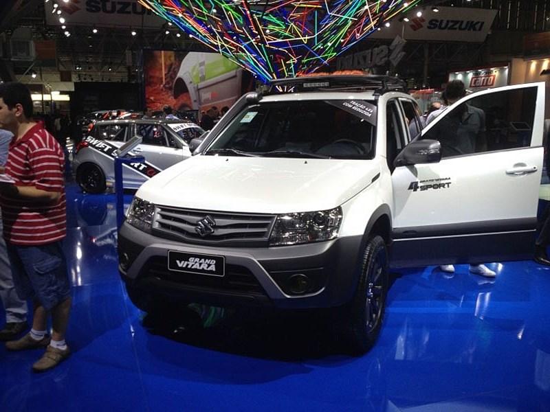 Suzuki Grand Vitara 4Sport 2015 вид спереди