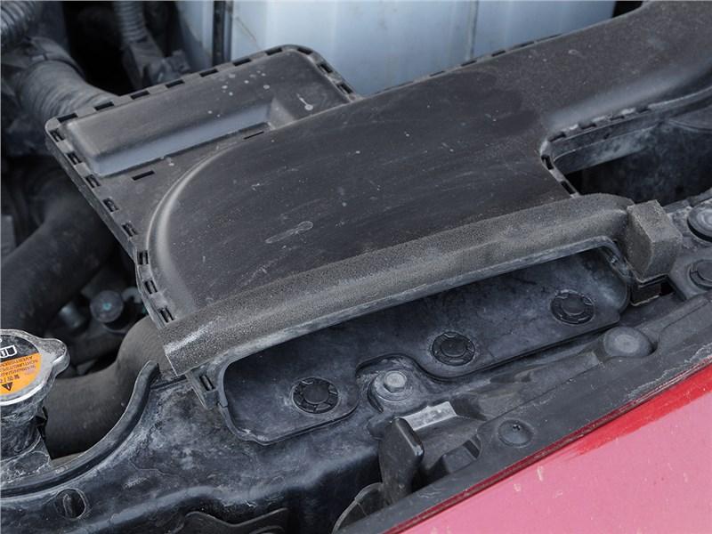 Renault Koleos 2014 воздухозаборник