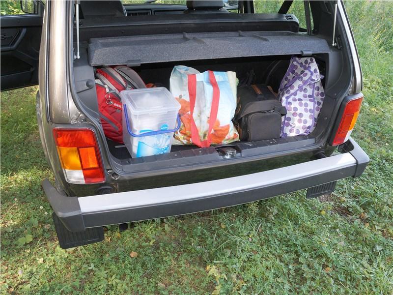 Lada 4x4 2017 багажное отделение