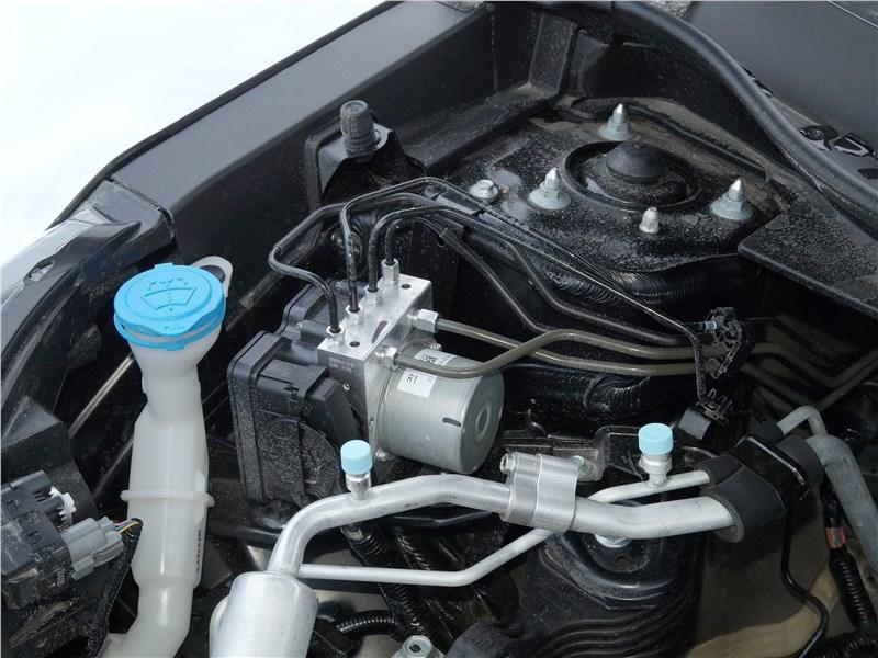 Honda CR-V 2017 моторный отсек