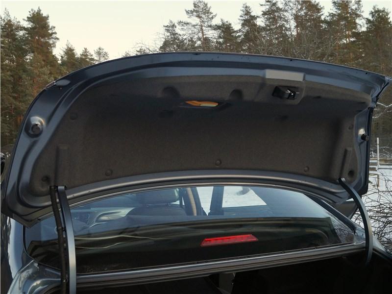 Geely Emgrand 7 2019 крышка багажника