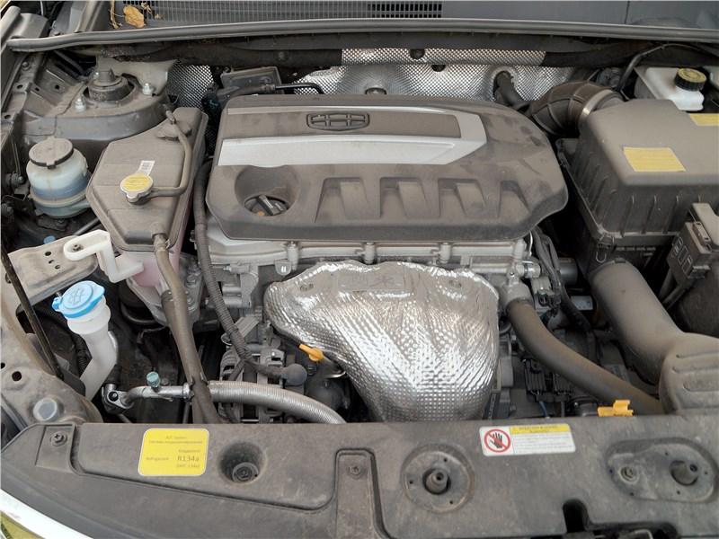 Geely Emgrand X7 2018 моторный отсек