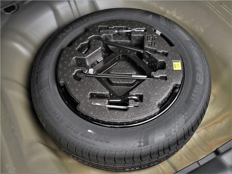 Kia Cerato (2022) запасное колесо