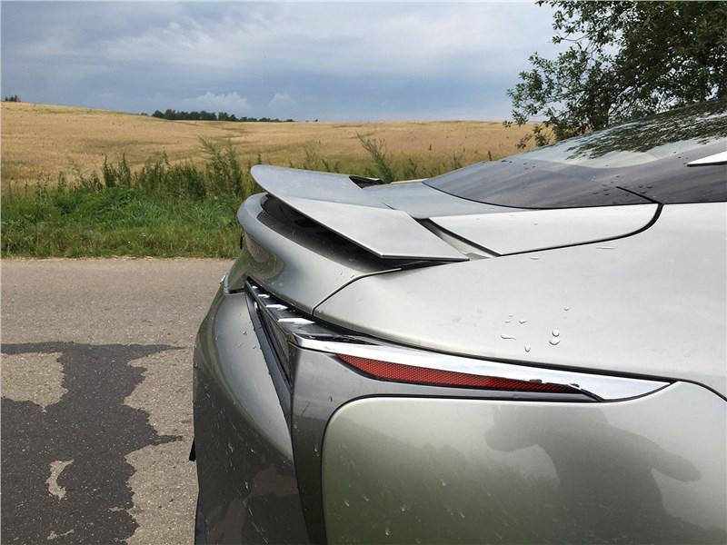 Lexus LC 500 (2021) задний спойлер