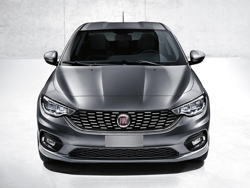 Fiat Tipo 2016 вид спереди