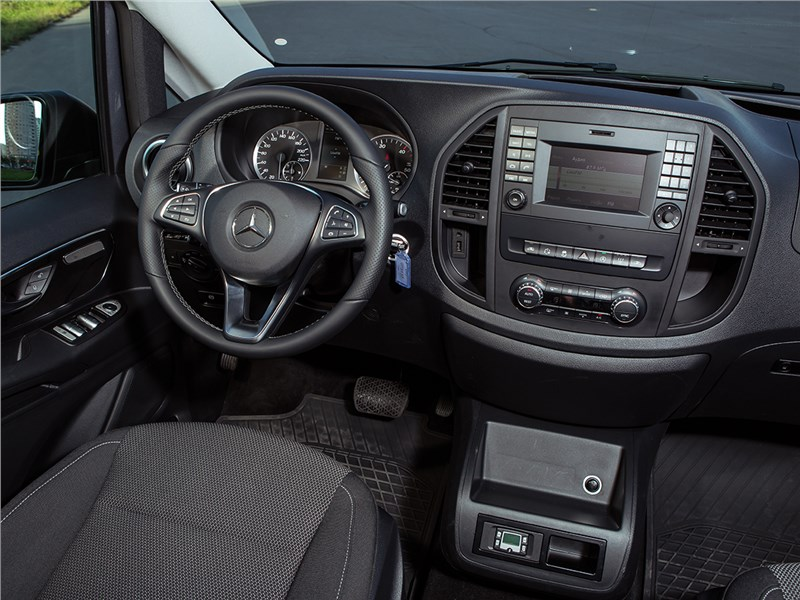 Mercedes-Benz Vito Tourer 2015 салон