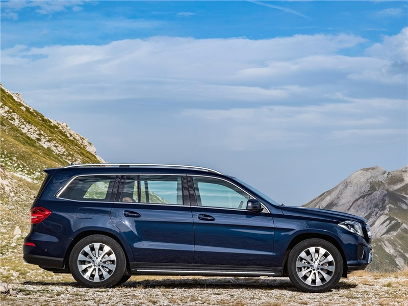 Mercedes-Benz GLS 2016 вид сбоку