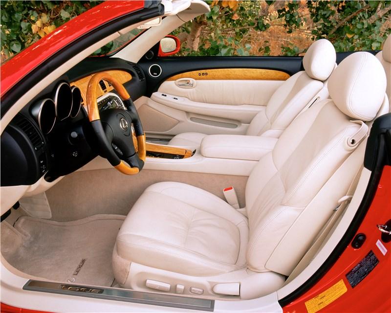 Lexus SC 2001 передние кресла