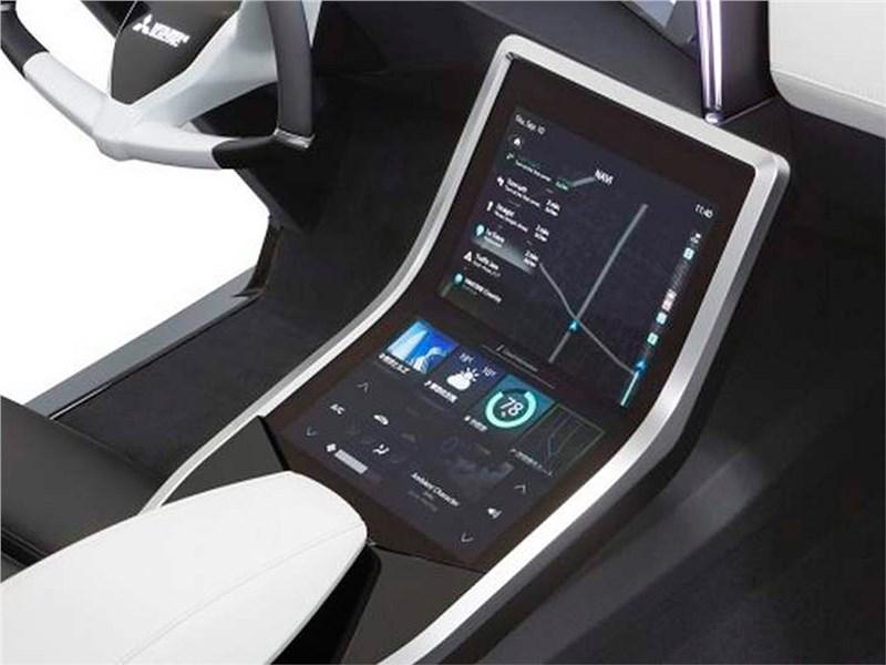 Mitsubishi Emirai 3 xDAS 2015 консоль