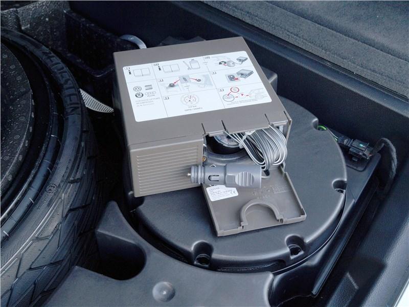 Audi Q7 S-Line 2016 багажное отделение