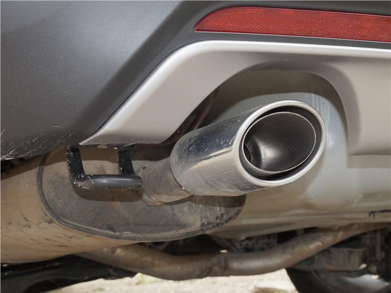 Ford Explorer 2018 задняя буксировочная проушина