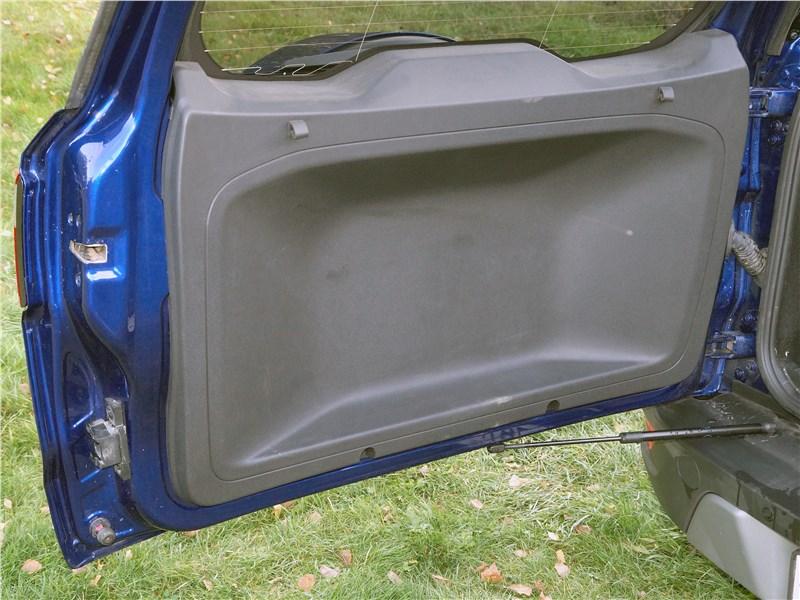 Ford EcoSport 2018 дверь багажного отделения
