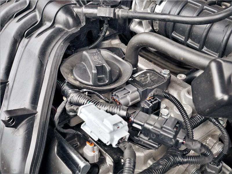 Lada Vesta SW Cross 2018 моторный отсек