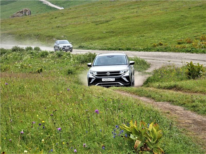 Volkswagen Taos (2022) вид спереди