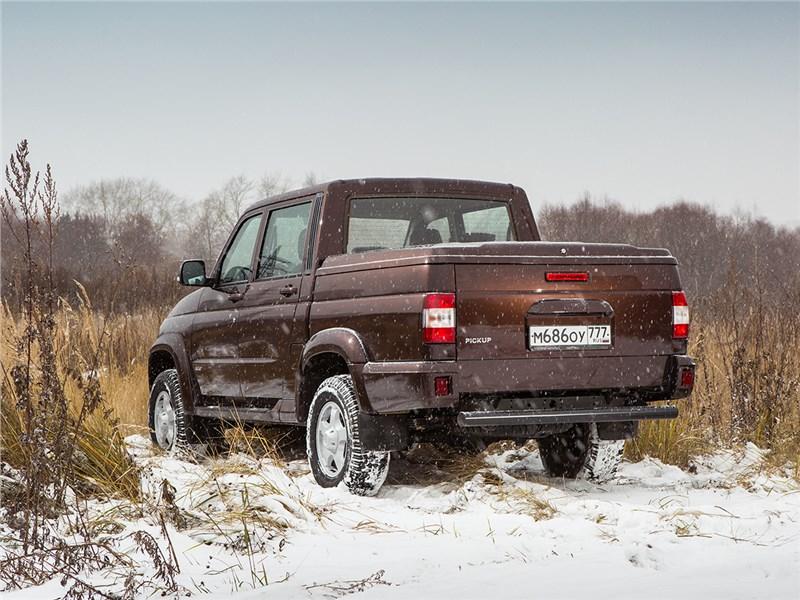 UAZ Pickup 2014 вид сзади