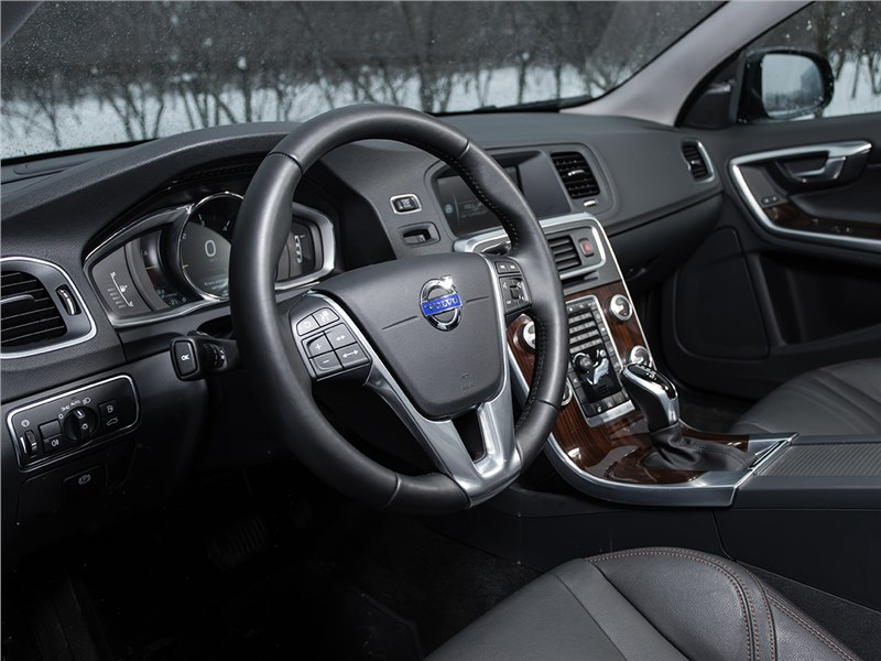 Volvo V60 Cross Country 2015 салон