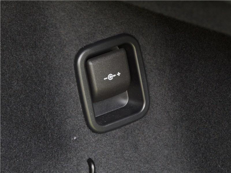 BMW 2 Series Active Tourer 2017 багажное отделение