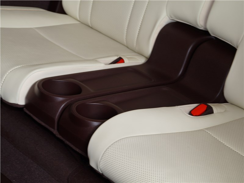 Lexus RX 350L 2018 третий ряд