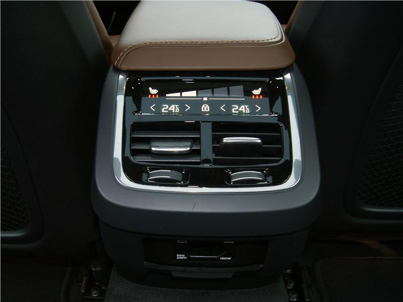 Volvo S60 2019 печка для пассажиров