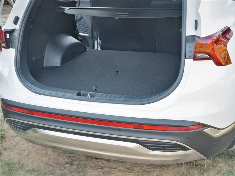 Hyundai Santa Fe (2021) багажное отделение