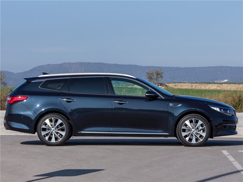 Kia Optima Sportswagon 2016 вид сбоку