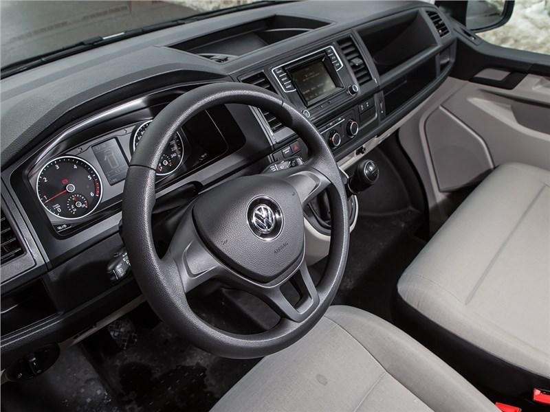 Volkswagen Transporter 2015 салон
