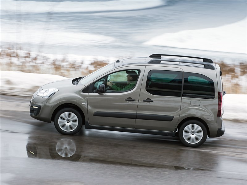 Citroen Berlingo 2015 вид сбоку