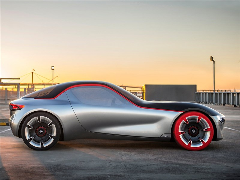Opel GT concept 2016 вид сбоку