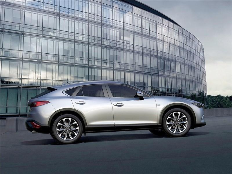 Mazda CX-4 2017 вид сбоку