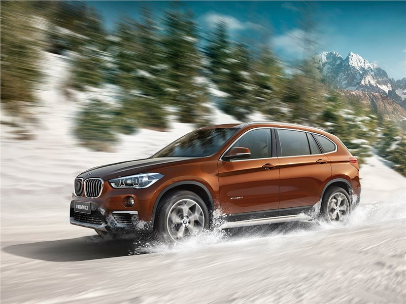 BMW X1 Long Wheelbase 2017 вид сбоку