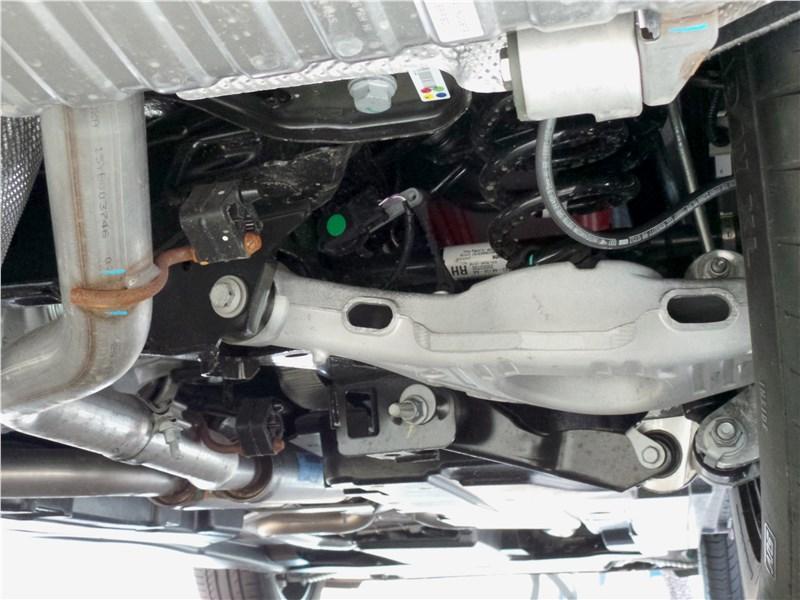 Jaguar F-Pace 2016 подвеска