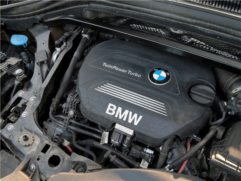 BMW X1 2016 двигатель
